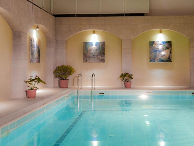 Alexandra HotelSwimming Pool Area