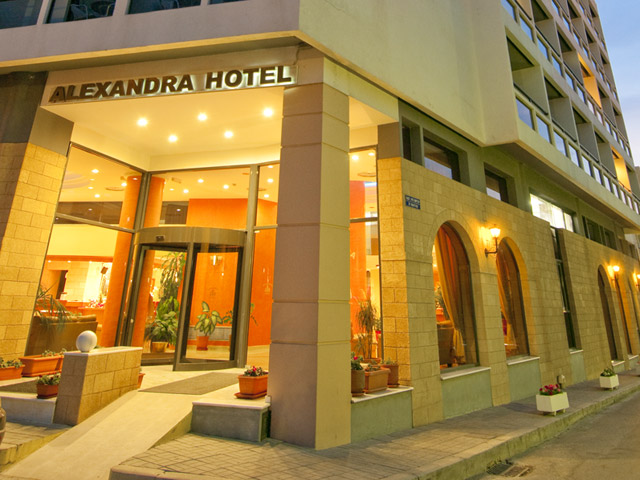 Alexandra Hotel - Book Early for 2018 and save up to 35% LIMITED TIME !!!