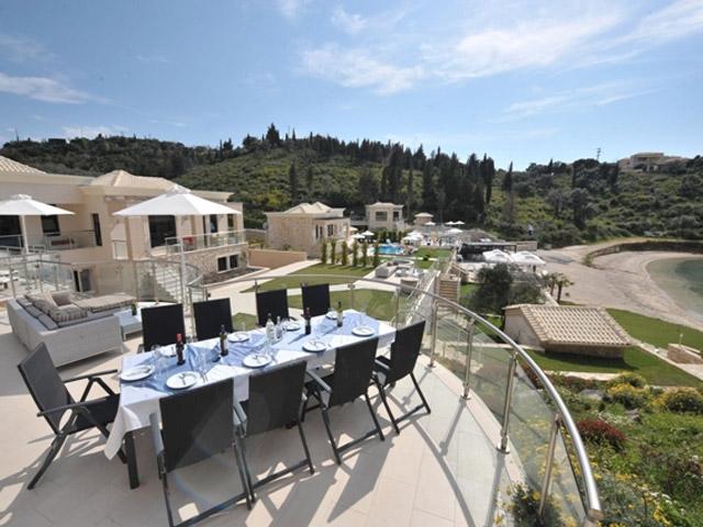 Karvouno Villas: Dinning Area