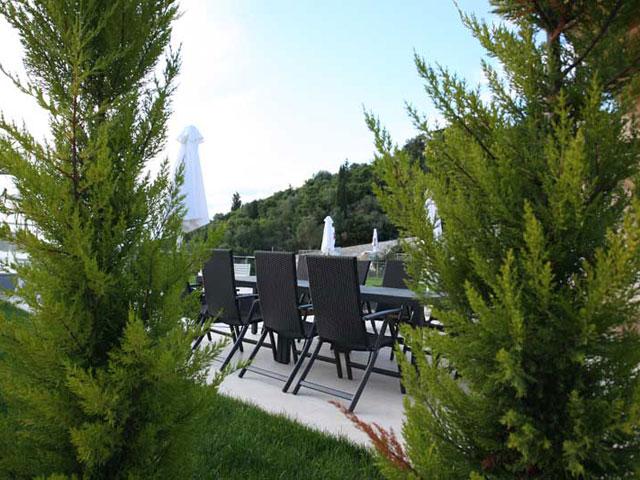 Karvouno Villas: Dining area