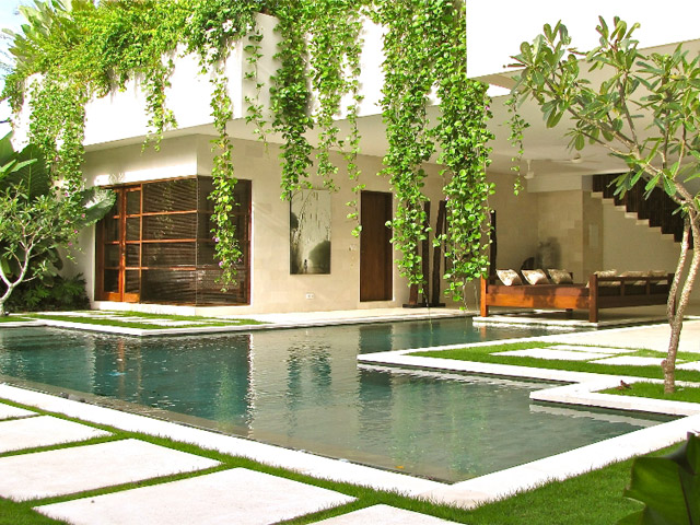 Nyaman Villas - Exterior View Swimming pool