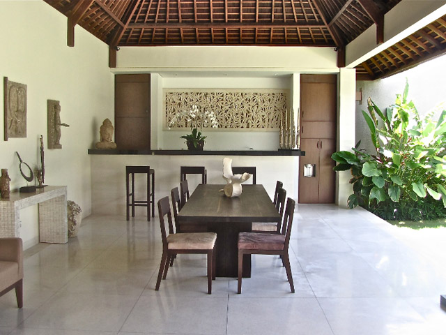 Nyaman Villas - Dining area