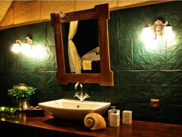 Sacred House - Fullmoon Suite bathroom