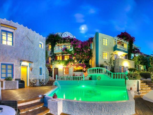 Korifi Suites Boutique Hotel  -
