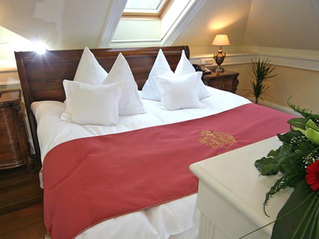 Hertelendy Castle HotelRoom