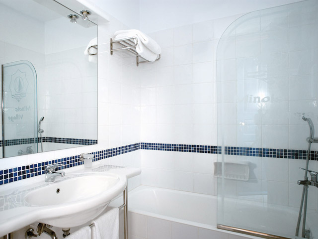 Minois Village Hotel Suites & Spa - Bathroom