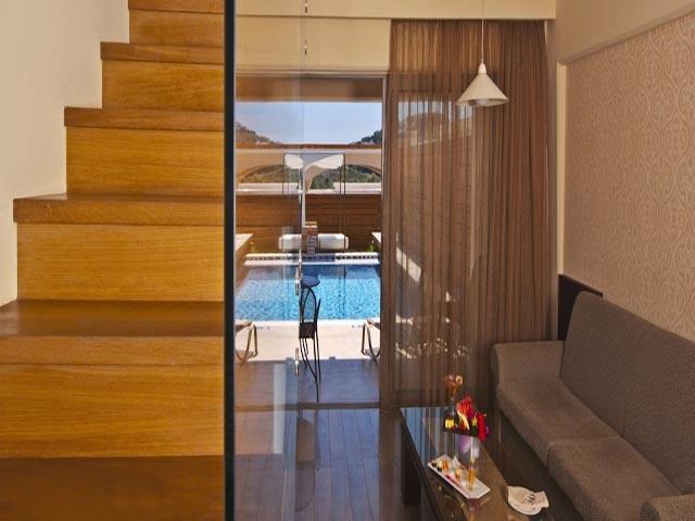 La Marquise Luxury Resort Complex: