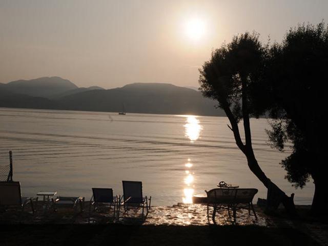 Agnadi Suites: Beach