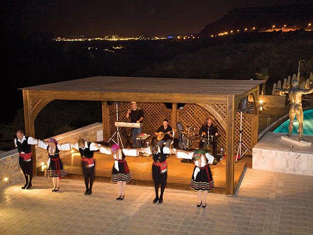 Kalithea Mare & Horizon Hotel: Greek Evening