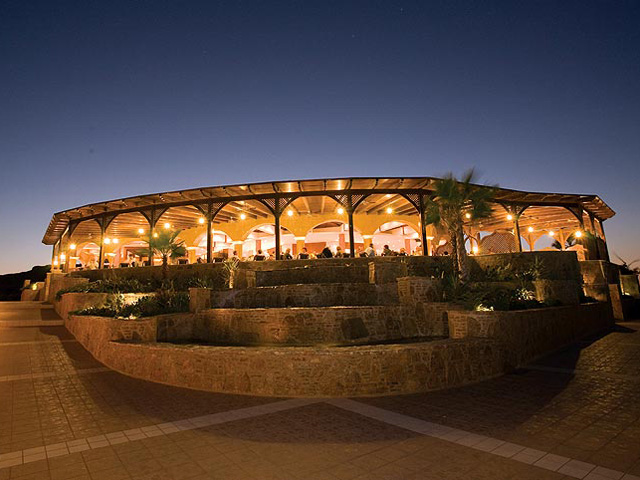 Kalithea Mare & Horizon Hotel: Restaurant Exterior View