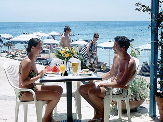 Kalithea Mare & Horizon Hotel: Snack bar