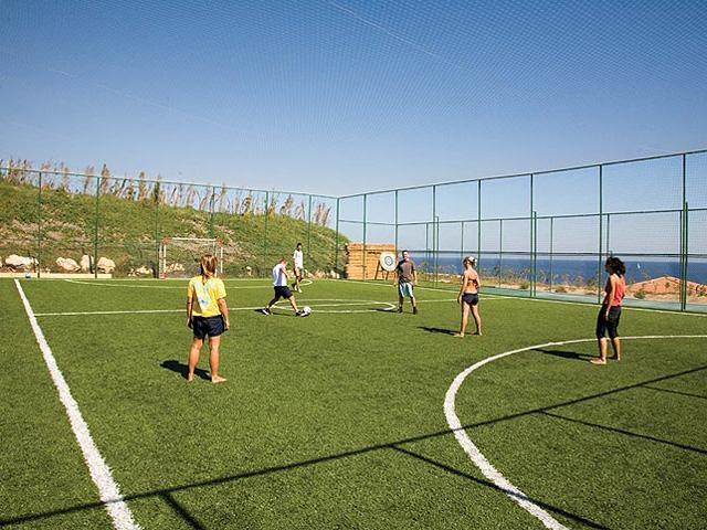 Kalithea Mare & Horizon Hotel: Football Court