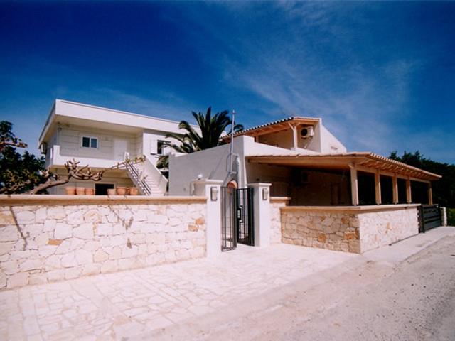 Rodanthi Luxurious Villas: Exterior View