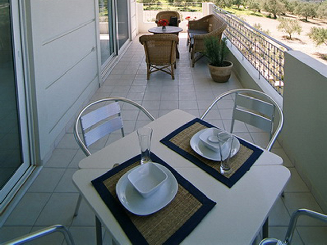 Rodanthi Luxurious Villas: Veranda