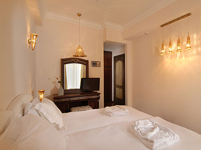 Varos Village Hotel  - Bedroom