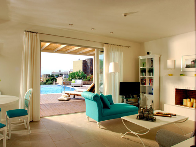 Pleiades Luxurious Villas - Living Room