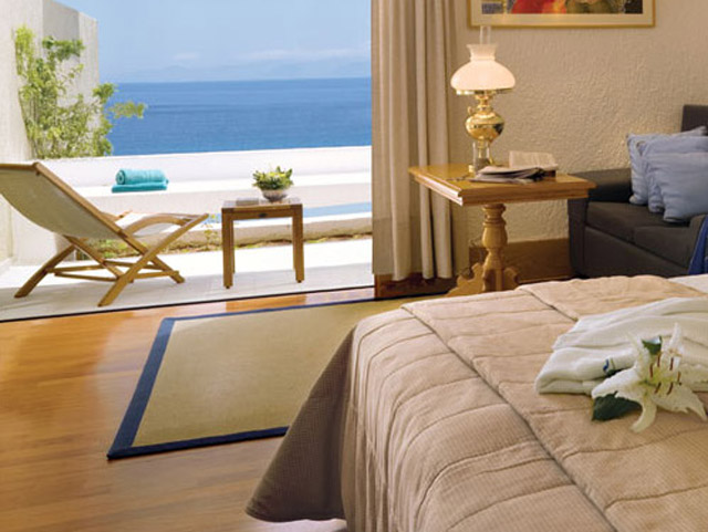 Porto Elounda Golf and SPA Resort - Deluxe Room Bedroom & Pool Area