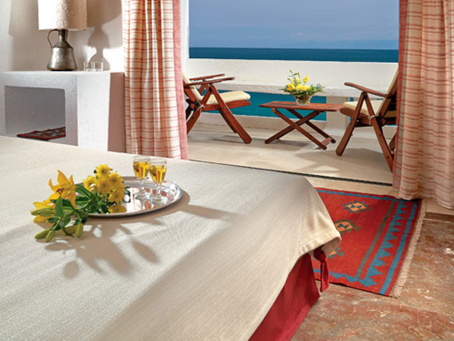 Elounda Mare Hotel - Relais & Chateaux - Twin Room Bedroom Sea View