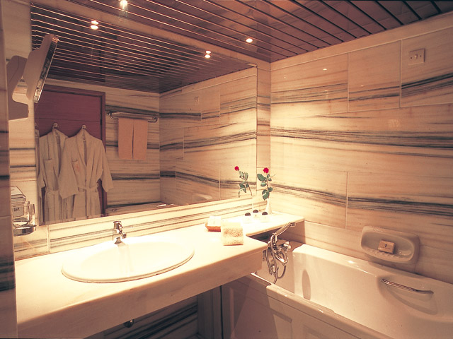Elounda Mare Hotel - Relais & Chateaux - One Bedroom Suite Bathroom