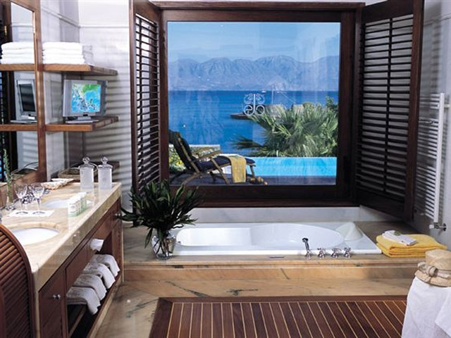 Island Suite Bathroom