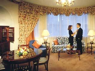 The Windsor HotelWindsor Suite