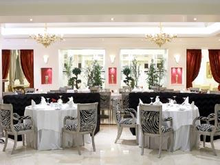 Theoxenia Palace Hotel: Zebra Lounge & Restaurant