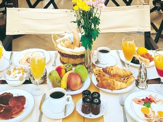 Theoxenia Palace Hotel: Breakfast