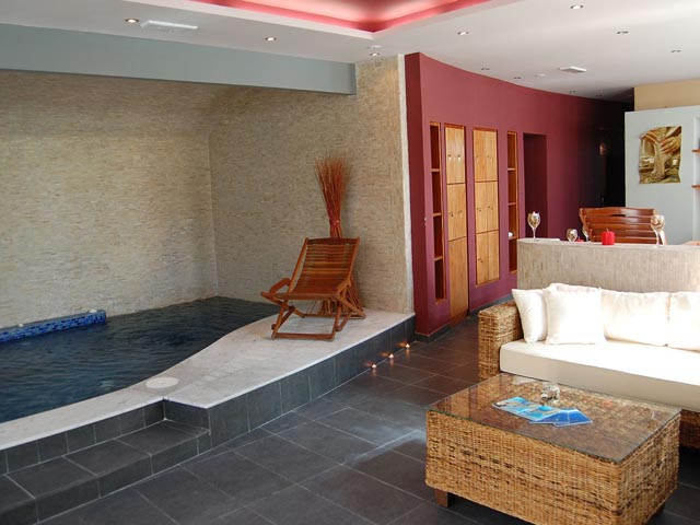 Antinea Suite Hotel and Spa