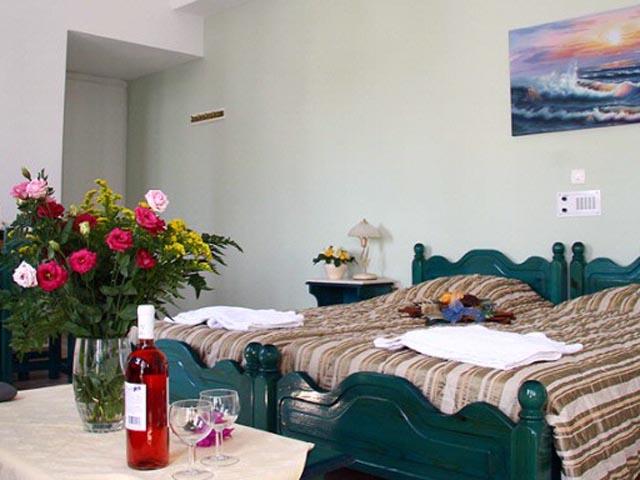 Scorpios Beach Hotel & Apartments