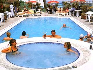 The Metropolitan Deira HotelSwimming Pool