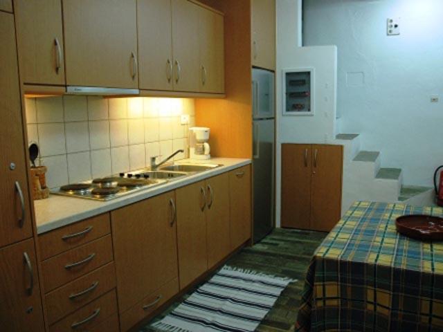 Aris Traditional Houses (Apts-Studios-Rooms)