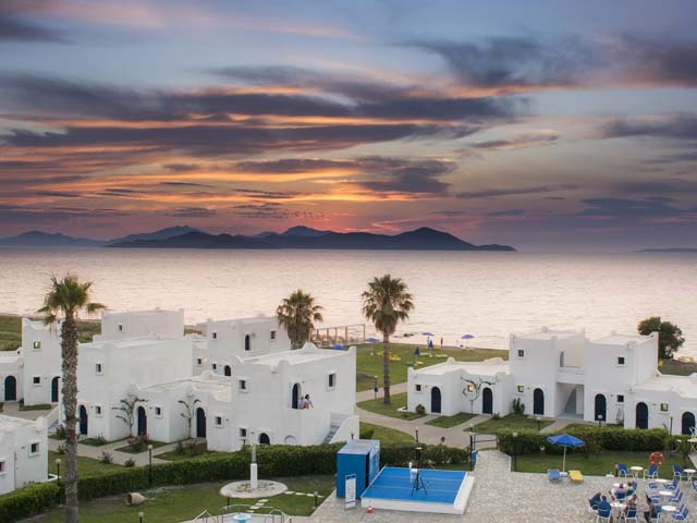 Book Now: Aeolos Beach Hotel and Bungalows