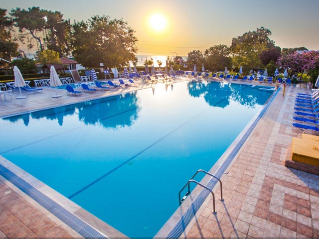Book Now: Continental Palace Hotel