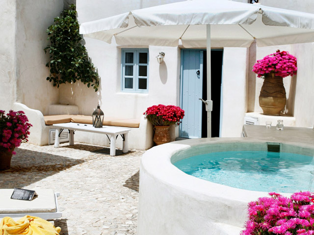 Book Now: Villa IVI