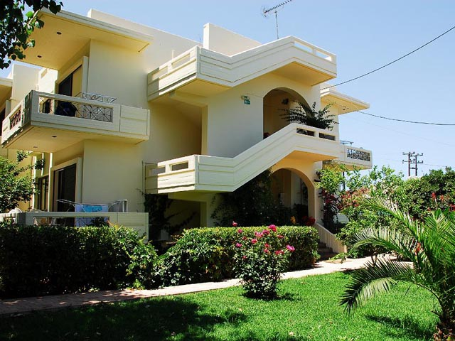Book Now: Lefka Apartments