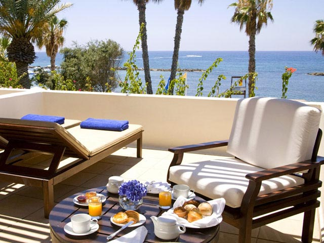 almyra single parents Annabelle, paphos is a five star relaxing retreat set in beautiful surroundings with elegant furnishings with access to all the facilities of the almyra next door, there is plenty for everyone of all ages to enjoy expressions holidays offers tailor-made luxury holidays to cyprus and paphos.