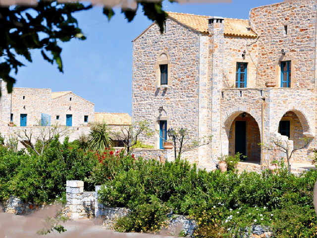 Ktima karageorgou 4 stars luxury hotel in areopoli for Special hotels in the world