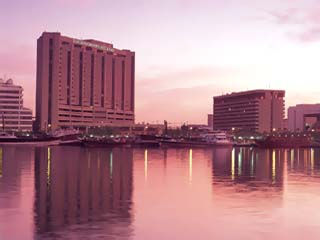 Radisson Blu Hotel - Dubai Deira Creek