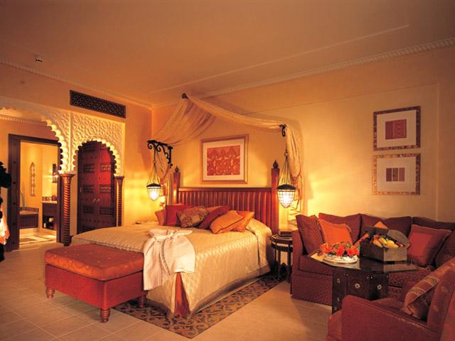 Madinat jumeirah al qasr 5 stars luxury hotel in dubai for Arabian hotel