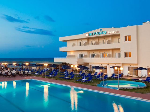 Smartline Neptuno Beach Resort