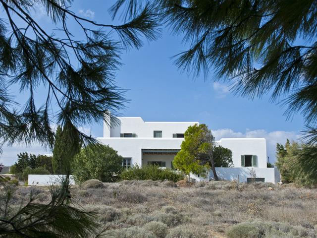 Elia Beach Villa