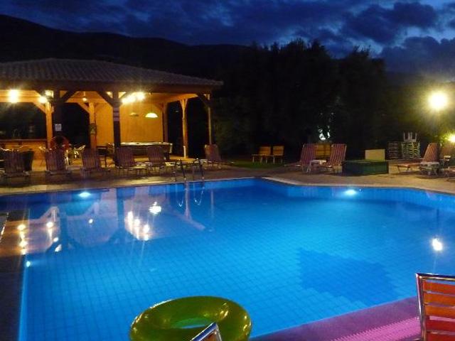 Newcastle studios hotels malia heraklion crete greece for Blue sea motor inn