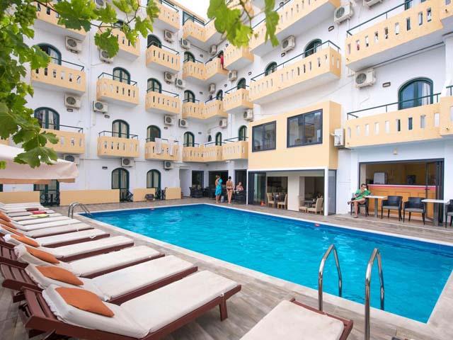Pela maria hotel hotels hersonissos heraklion crete greece for Blue sea motor inn