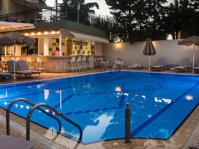 Sunshine hotel and studios malia hotels malia heraklion for Blue sea motor inn