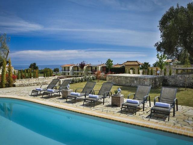 Nefeli Luxury Villas