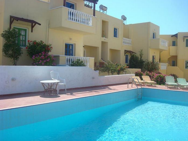 Kokkinakis apartments hotels koutouloufari piskopiano for Blue sea motor inn