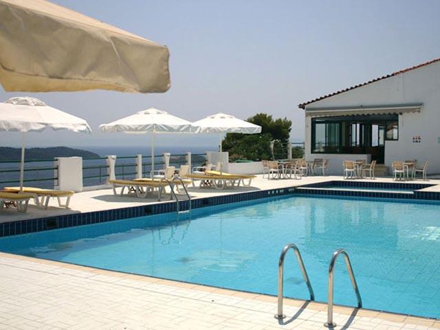 Skiathos club 4 stars luxury hotel in skiathos offers for Hotel skiathos
