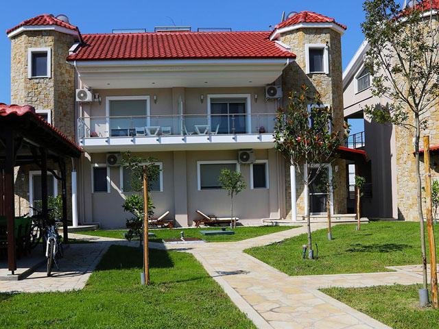 Toroni Luxury Villas