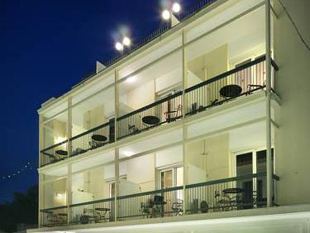 Adrian Hotel Athens