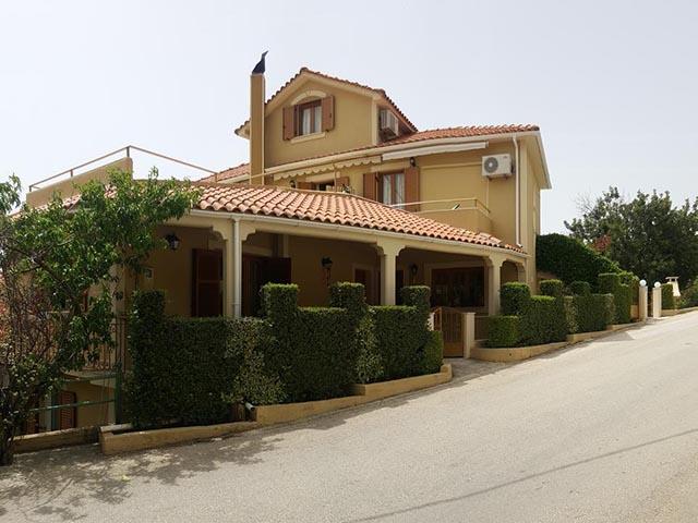 Epi Studios and Apartments